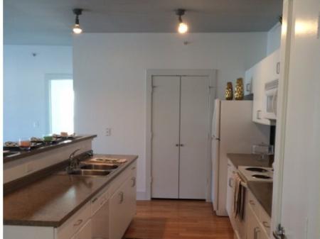 Spacious Hallway   Apartments in Dallas, TX   5225 Maple Avenue Apartments
