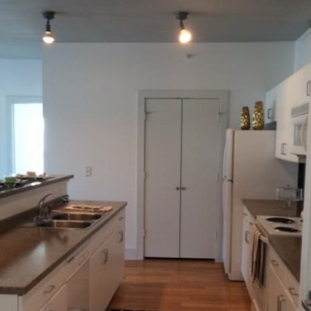 Spacious Hallway | Apartments in Dallas, TX | 5225 Maple Avenue Apartments