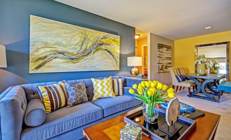 Spacious Living Room | Apartments in Centreville, VA | Bent Tree