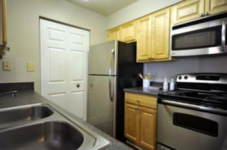 Elegant Kitchen | Apartments in Centreville, VA | Bent Tree