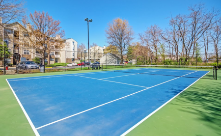 Community Tennis Court | Apartments in Centreville, VA | Bent Tree