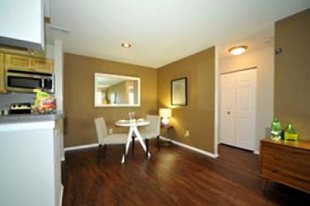 Elegant Dining Room | Centreville VA Apartments For Rent | Bent Tree