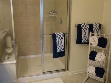 Spacious Bathroom | Apartments Near Edison NJ | Queens Gate