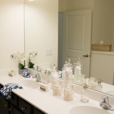 Spacious Master Bathroom | Somerville Apartments NJ | Queens Gate