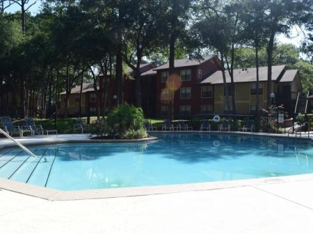 Refreshing Swimming Pools | Northlake Apartments