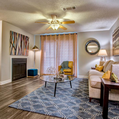 Spacious Living Room  with Ceiling Fan| Luxury Apartments In Nashville TN | Bellevue West