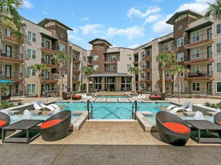 Sparkling Pool | Apartments for rent in Las Colinas, TX | Alexan Las Colinas