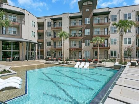 Swimming Pool | Apartment Homes in Las Colinas, TX | Alexan Las Colinas