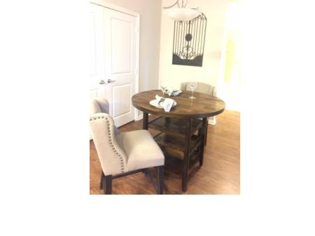 Hardwood Floors showing a Dining Room with Table and Chairs l Monterey Pointe