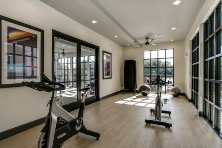 State-of-the-Art Fitness Center | Apartment Homes in Dallas, TX | Loft + Row