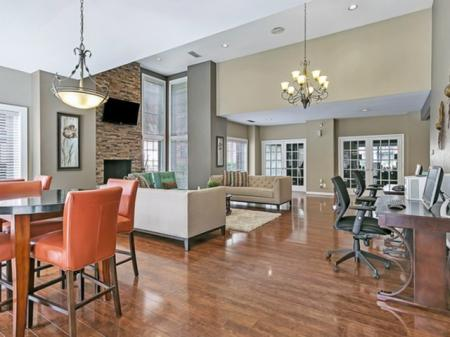 Spacious Dining Room | Apartment in Dallas, TX | Lincoln Crossing