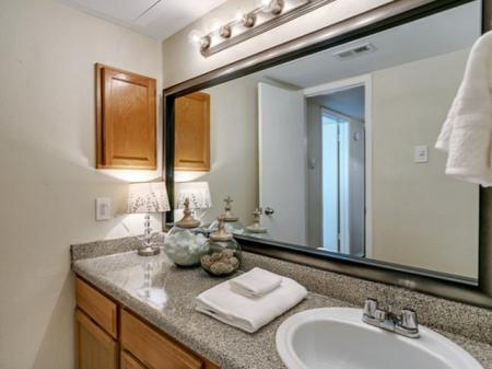 Elegant Kitchen | Apartments in Dallas, TX | Lincoln Crossing