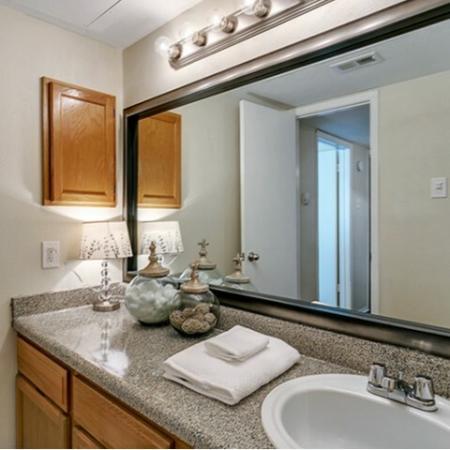 Elegant Kitchen | Apartments in Dallas, TX | Lincoln Crossing