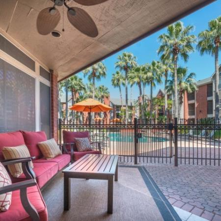 Community Sun Deck | Apartments in Houston, TX | Lincoln Medical Center
