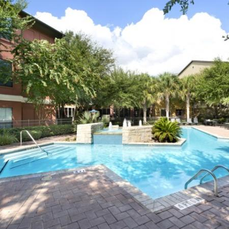 Resort Style Swimming Pool | Apartment Homes in San Antonio, TX | Broadstone at Colonnade