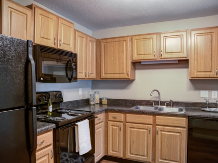 Luxurious Kitchen | Apartment Homes in St Louis Park, MN | Cityscape
