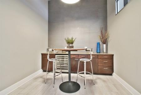 Spacious Dining Room | The Glen Apartments Glenview IL | Midtown Square