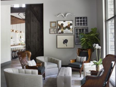 Elegant Living Room | The Lakes of Bellevue Apartments