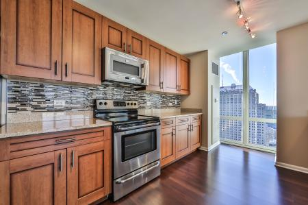 Spacious Kitchen | Apartments for rent in Chicago, IL | 215 West Apartments