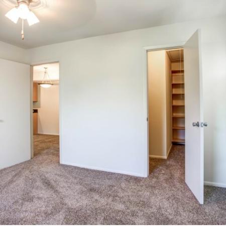 Apartments-in-largo-fl-bedroom