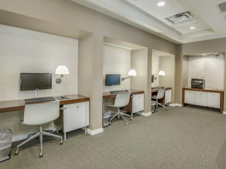 Downtown-jacksonville-apartments-computer-lab