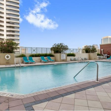 Apartments-downtown-jacksonville-pool