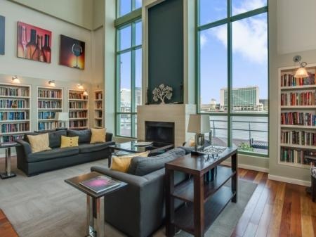 Best-apartments-in-jacksonville-lounge