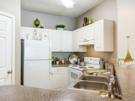 State-of-the-Art Kitchen | Atlanta GA Apartment Homes | Hawthorne Gates