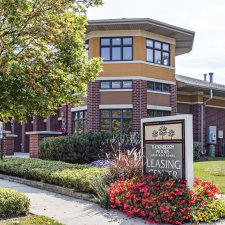 Apartments in Naperville | Thornberry Woods Apartment Homes