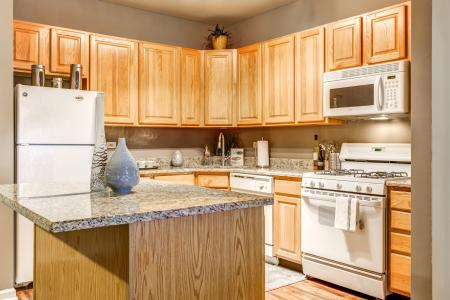 Energy Efficient Appliance Package in Naperville | Thornberry Woods Apartment Home