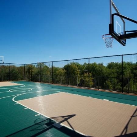 Community Basketball Court | Rockwall TX Apartments | Rockwall Commons