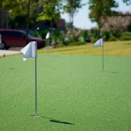 Resident Putting Green | Apartments in Rockwall | Rockwall Commons