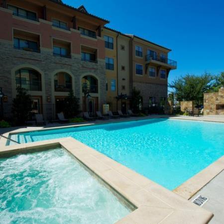 Resident Hot Tub | Apartments in Rockwell TX | Rockwall Commons