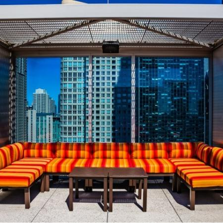 Resident Sun Deck | Chicago IL Apartment For Rent | EnV Chicago
