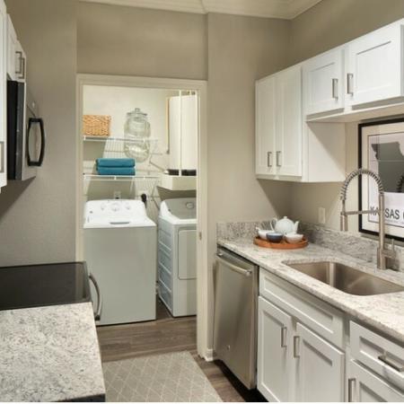 Modern Kitchen | Kansas CityMO Apartment For Rent | Fountain View on the Plaza