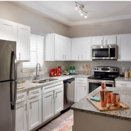 Modern Kitchen | Kansas CityMO Apartment For Rent | Fountain View on the Plaza