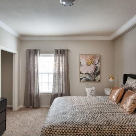 Spacious Master Bedroom | Apartments Homes for rent in Kansas City , MO | Fountain View on the Plaza