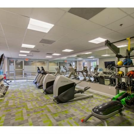 24/7 Fitness Center with Cardio Equipment and Strength Training