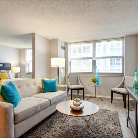 Modern Open Concept Layouts in west loop | 180 North Jefferson Apartments