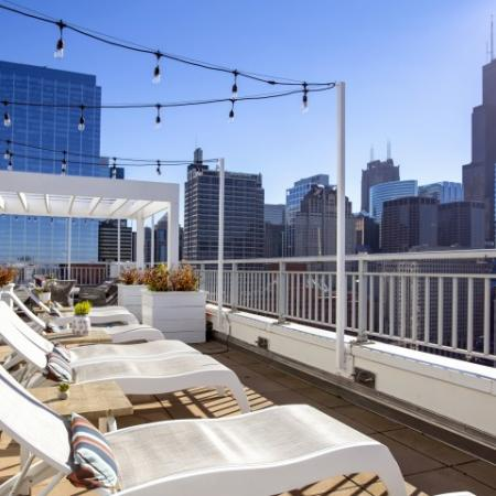Rooftop entertainment lounge in west loop | 180 North Jefferson Apartments