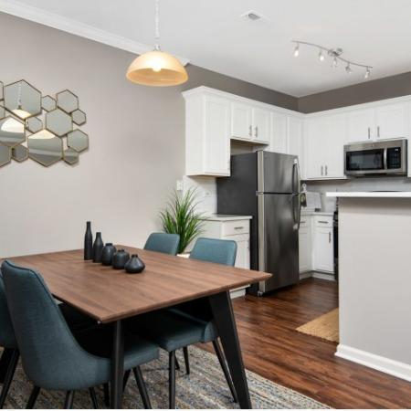 Newly Renovated Apartments in Naperville | Thornberry Woods Apartment Homes