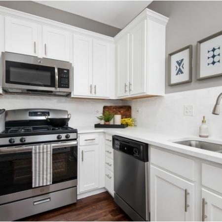 Sleek  Modern Kitchens in Naperville | Thornberry Woods Apartment Homes