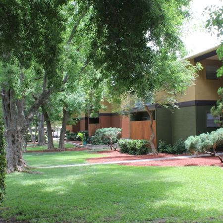 Beautifully Landscaped Grounds | Apartments For Rent San Antonio TX | Hunter's Glen Apartments