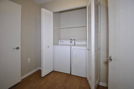 apartments with utility closet