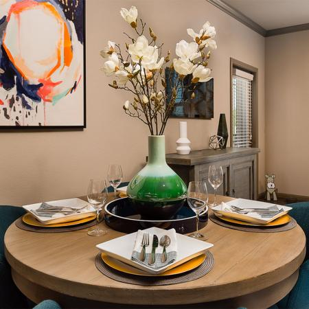 Boterra Bay - Luxury Apartments for Rent in Baytown, TX - apartment dining room