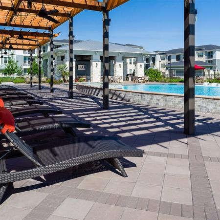 Boterra Bay - Luxury Apartments for Rent in Baytown, TX - poolside cabana