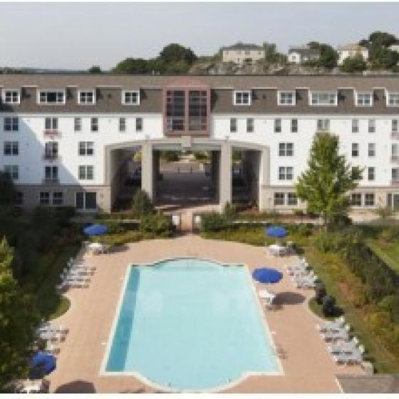 Resort Style Pool   Apartments In Malden Ma   Strata