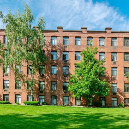 City View | Springfield MA Apartment Complexes | Stockbridge Court