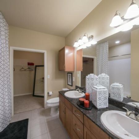 Spacious Bathroom | Knox Henderson Dallas Apartments | Fitzhugh Urban Flats