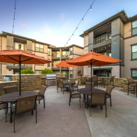 Residents Relaxing on the Sun Deck | Dallas Apartments In Knox Henderson | Fitzhugh Urban Flats